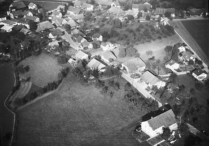 /_SYS_gallery/DasDorf/Luftaufnahmen/1960_02.jpg
