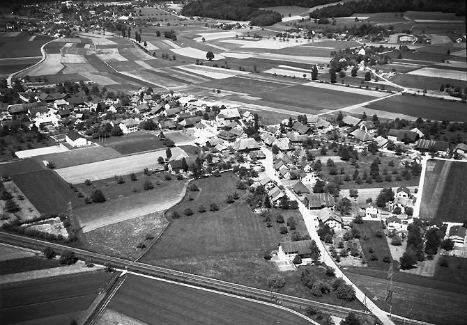 /_SYS_gallery/DasDorf/Luftaufnahmen/1960_09.jpg