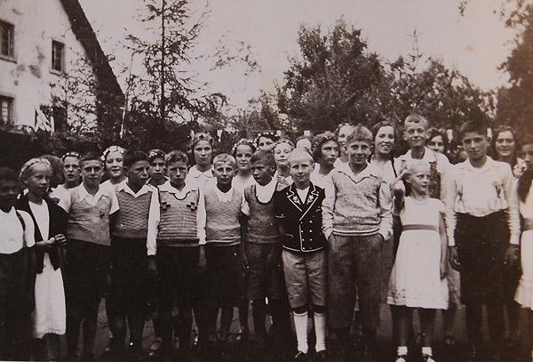 /_SYS_gallery/DasDorf/Persoenlichkeiten/EmilBaumann/Emil-Baumann-Jugendfest-1961-a-_2_.jpg