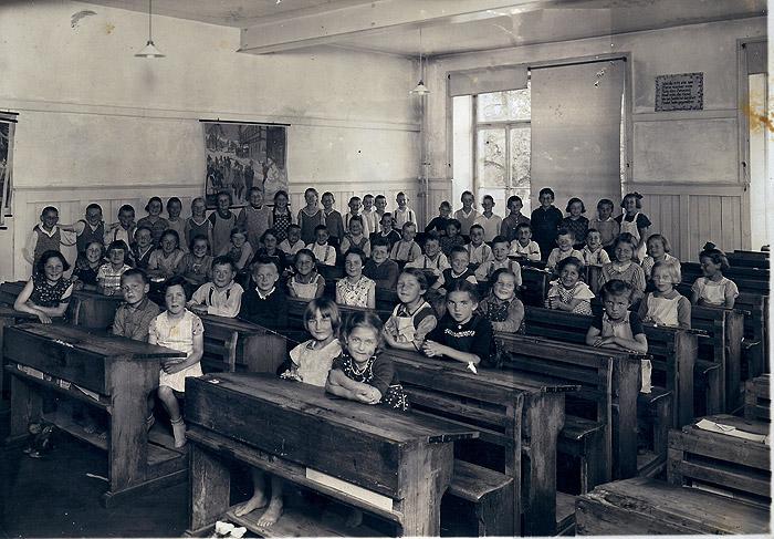 /_SYS_gallery/Schule/Schule/Klassenfotos/1937-Klassenzimmer.jpg