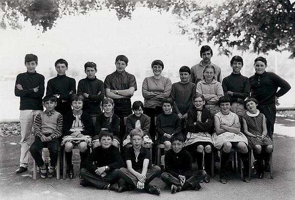 /_SYS_gallery/Schule/Schule/Klassenfotos/Gem-Klassen-Unter-Oberstufe-JG-54_55_56-58_59-Lehrer-H-Widin.jpg