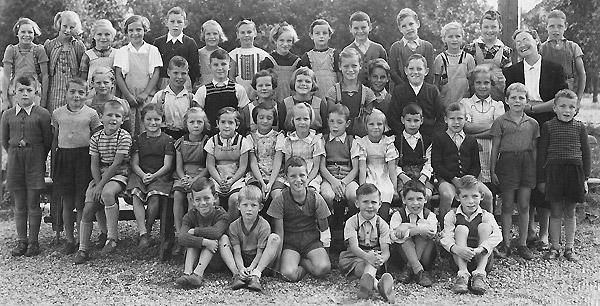 /_SYS_gallery/Schule/Schule/Klassenfotos/Klassenfoto-Jahrgang-1943-46.jpg