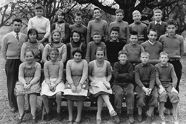 /_SYS_gallery/Schule/Schule/Klassenfotos/Klassenfoto-Jahrgang-1945-1948.jpg